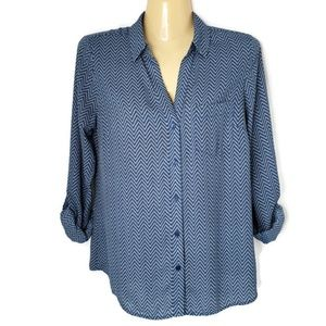 THE LIMITED | Cream & Blue Chevron Button Up | XS